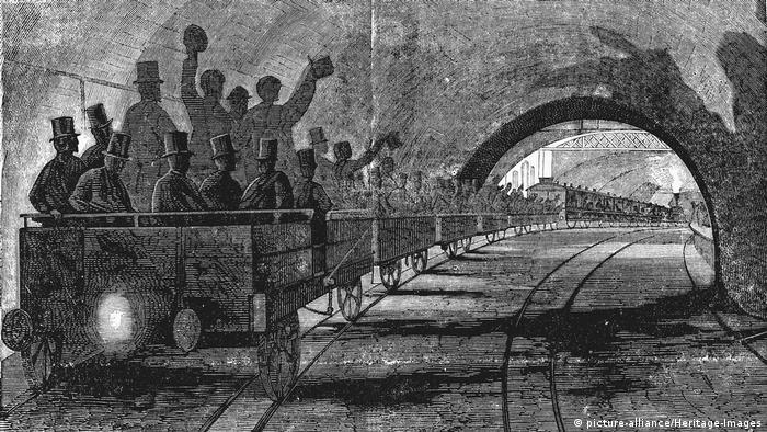 Desenho retrata pessoas em vagões num túnel