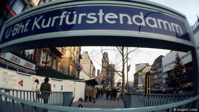 Estação de metrô na avenida Kurfürstendamm