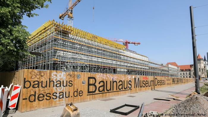 Construction site of the Bauhaus Museum in Dessau (picture alliance/dpa/J. Woitas)
