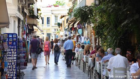 DW: Πόσο γερά είναι τα θεμέλια της ελληνικής οικονομίας;