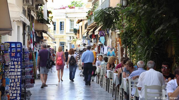 Strassencafe in Athen (imago/F. Berger)