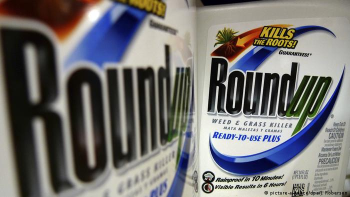 Symbolbild: Monsanto Unkrautvernichter Roundup (picture-alliance/dpa/J. Roberson)