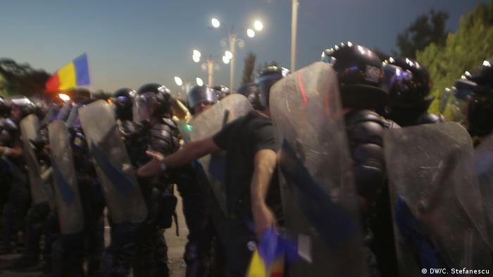 Rumänien Verletzte bei Großkundgebung in Bukarest