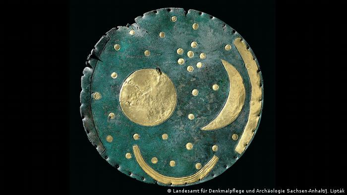 The Nebra sky disc (Landesamt für Denkmalpflege und Archäologie Sachsen-Anhalt/J. Lipták)