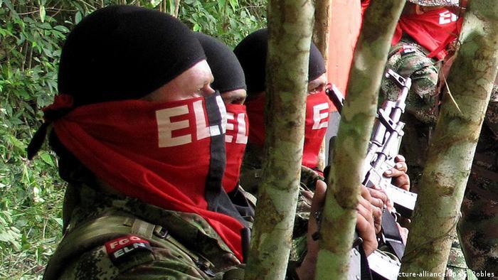 Kolumbien ELN Guerilla (picture-alliance/dpa/E. Robles)
