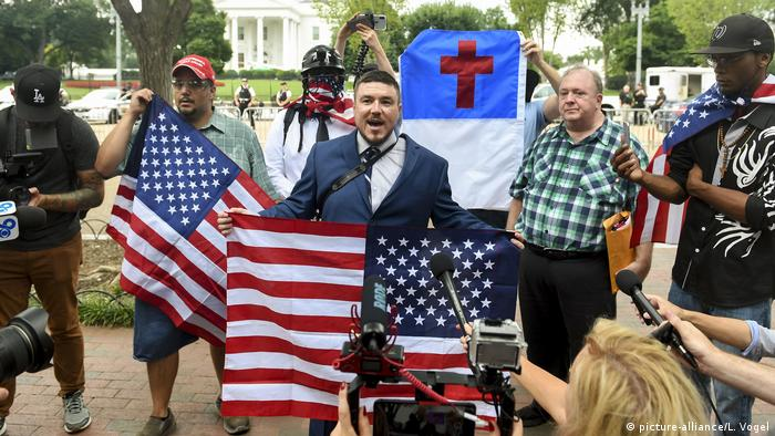 USA, Washington: Demonstrationen zum Charlottesville-Jahrestag (picture-alliance/L. Vogel)