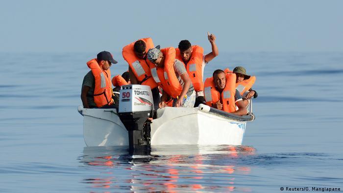 قایق پناهجویان در سواحل لیبی