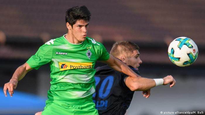 Borussia Mönchengladbach / Julio Villalba (Paraguay).