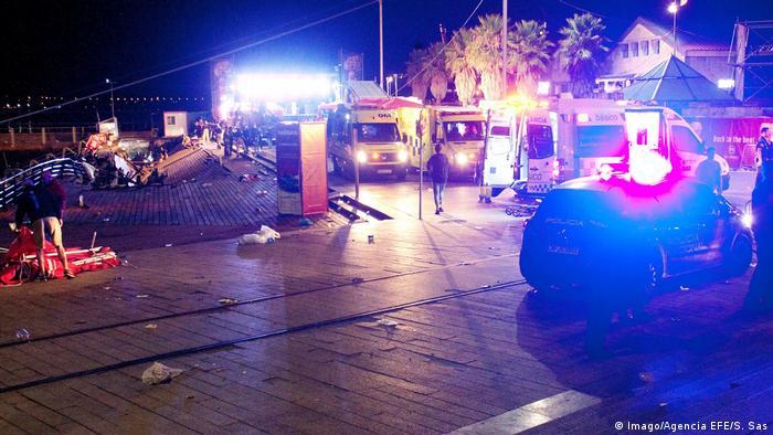 Se desploma pasarela en España y deja más de 300 heridos