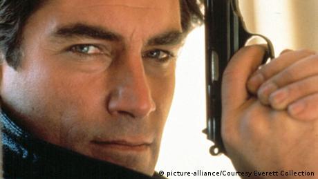 Timothy Dalton als James Bond (picture-alliance/Courtesy Everett Collection)