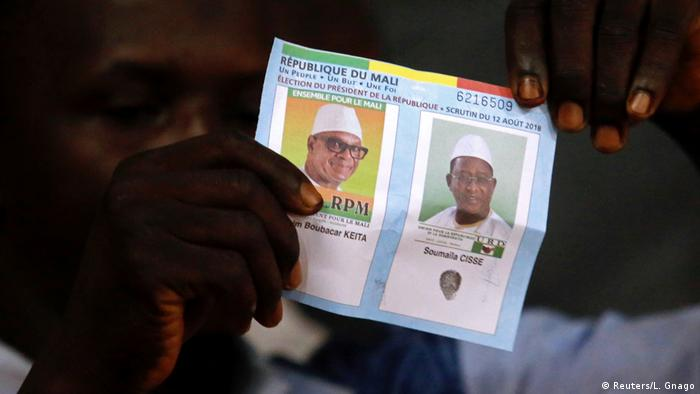 Presidential candidates' ballot during vote counting after Mali's run-off election (Reuters/L. Gnago)