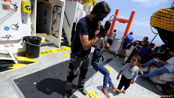 Mittelmeer - Flüchtling auf der MV Aquarius (Foto: Reuters/G. Mangiapane)