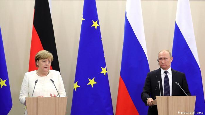 Russland, Sochi, Angela Merkel und Vladimir Putin