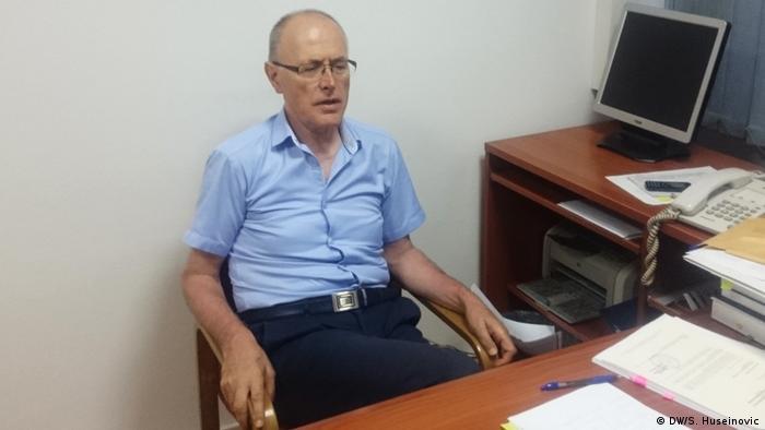 Smail Čekić bio je potpredsjednik Komisije Vlade RS koja je, po nalogu tadašnjeg Doma za ljudska prava, 2004. godine ustanovila da je u Srebrenici počinjen genocid i da su u ratnim zločinima učestvovale vojne, policijske i političke strukture RS-a.