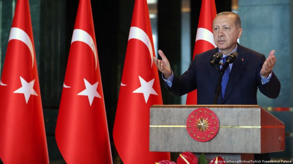 Эрдоган сообщил о переговорах с РФ об отказе от доллара