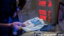 Symbolbild Lira-Erholung stützt türkische Börse
