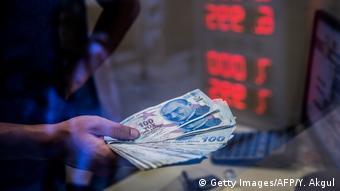 H τουρκική οικονομία δείχνει να ανακάμπτει με αργούς ρυθμούς
