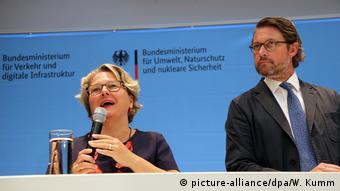 Deutschland Berlin   Bundesverkehrsministerium - Modellstädte für saubere Luft   Schulze & Scheuer