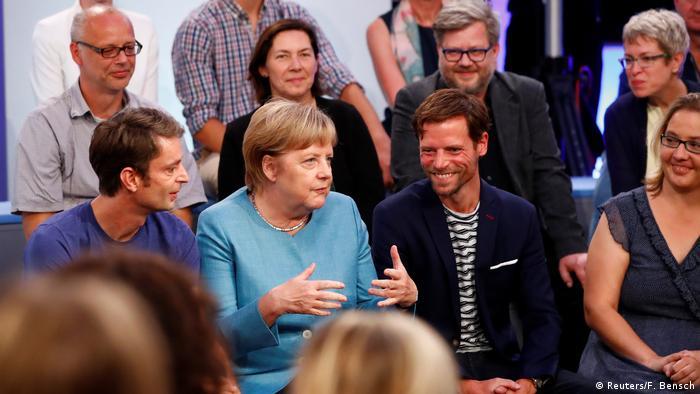 Deutschland Bundeskanzlerin Merkel stellt sich Fragen der Bürger in Jena