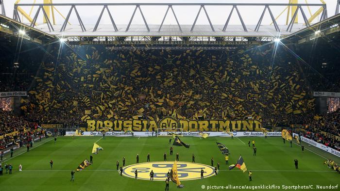 Deutschland BG Bundesliga | Borussia Dortmund Signal Iduna Park (picture-alliance/augenklick/firo Sportphoto/C. Neundorf)