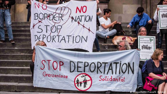 Anti-deportation protesters in Munich (Imago/ZUMA Press/S. Babbar)