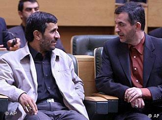 احمدینژاد ضمن دفاع از اسفندیار رحیم مشاعی گفت که قدرت خرید مردم بالا رفته است