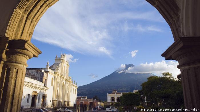 Antigua: Cumbre Iberoamericana recupera protagonismo