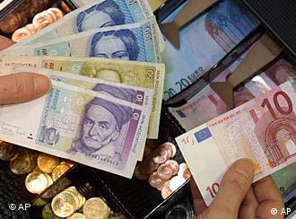 DM-Scheine und Euro