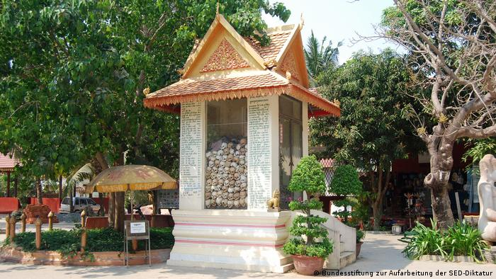 Stiftung Aufarbeitung SED-Diktatur, Kambodscha, Stupa (Bundesstiftung zur Aufarbeitung der SED-Diktatur)