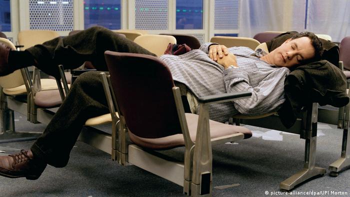 El-Kontar'ın durumu 2004 yapımı Terminal filminde Tom Hanks'in canlandırdığı karakterin hikâyesini anımsatıyordu.