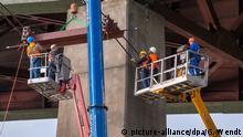 Deutschland Symbolbild Reparaturarbeiten Brücken | Rader Hochbrücke der Autobahn A7