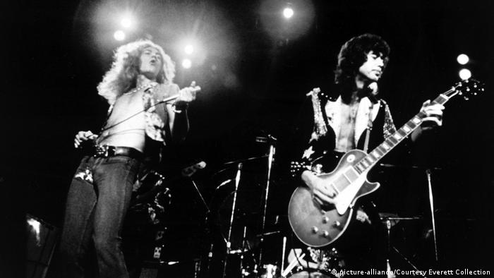 Led Zeppelin rocken auf der Bühne. (picture-alliance/Courtesy Everett Collection)