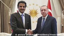 Türkei Scheich Tamim bin Hamad al-Thani besucht Erdogan (picture-alliance/dpa/Presidential Press Service)