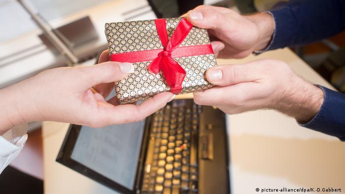 Was Die Deutschen Sich Weihnachten Schenken Alle Multimedialen
