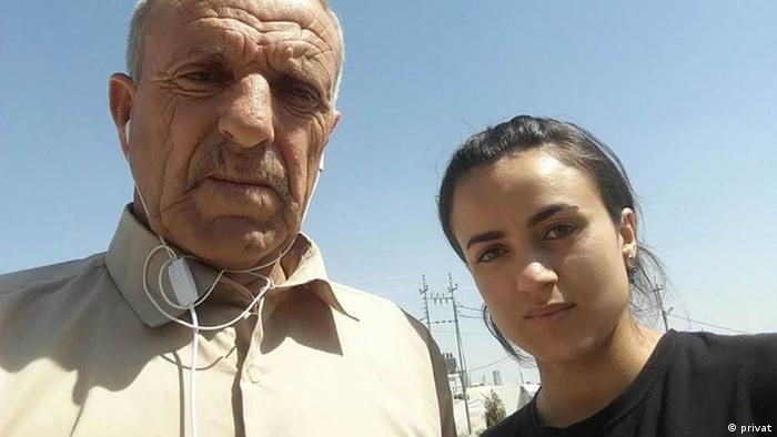 Irak - Versklavung von Jesiden - Ashway Haji Hamid mit ihrem Vater (privat)