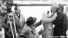 Hardy Krüger, Ingrid Andree und Helmut Käutner, 1959