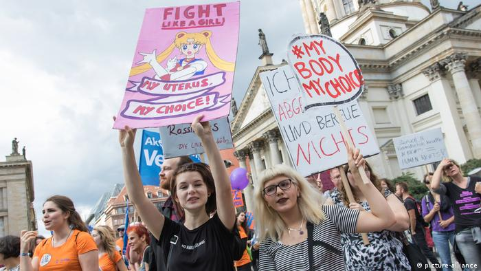 Pro-choice demonstration (picture-alliance)
