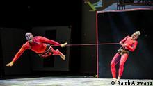 Die Tanz Kompanie STREB mit ihrer Show SEA (Singular Extreme Actions) (Ralph Alswang)