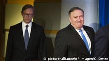Brian Hook and Mike Pompeo (picture-alliance/AP Images/C. Owen)