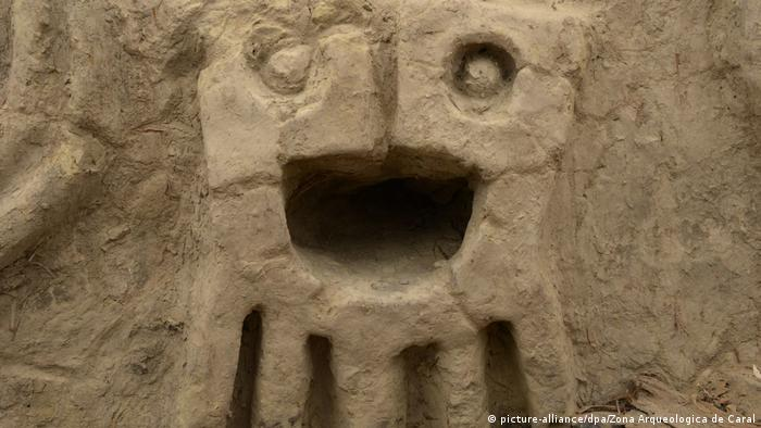Archaeologists unearth 3,800-year-old wall relief in Peru