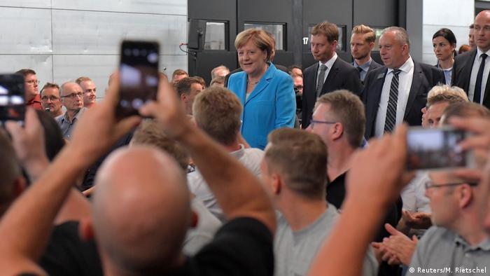 Deutschland Bundeskanzlerin Merkel und Michael Kretschmer