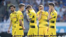 v.l. Nuri SAHIN (DO), Lukasz PISZCZEK (DO), Marco REUS (DO), Marcel SCHMELZER (DO), Julian WEIGL (DO) enttaeuscht. Fussball 1. Bundesliga, 34. Spieltag, TSG 1899 Hoffenheim (1899) - Borussia Dortmund (DO) 3:1, am 12.05.2018 in Sinsheim/ Deutschland. | Verwendung weltweit