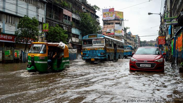 Banjir merendam kota Kolkata, India