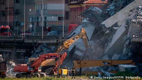 Обвалення мосту в Генуї: кількість загиблих зростає