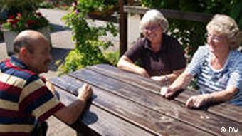 Vorstandsmitglieder im Kleingartenverein (Foto: DW)