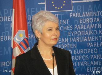 Regierungschefin Jadranka Kosor prüft weitere Möglichkeiten für Einsparungen
