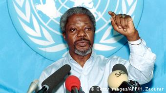 Kofi Annan UN Friedensbotschafter 1993 (Getty Images/AFP/H. Zaourar)