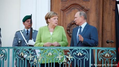 Коментар: Меркель і Путін - надійні противники у нестабільний час