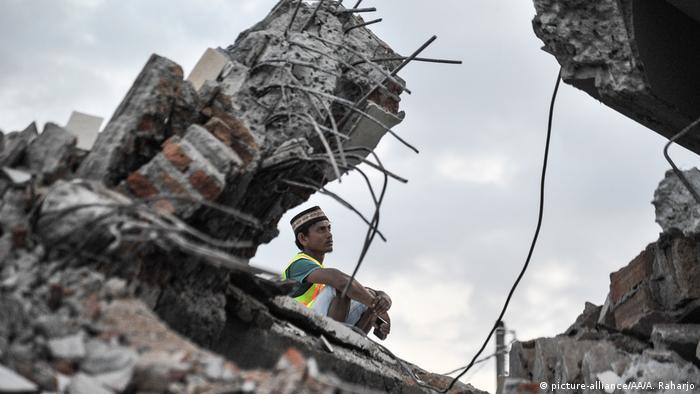 Earthquake damage in Pamenang village, North Lombok