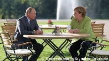 Deutschland Treffen Angela Merkel Wladimir Putin auf Schloss Meseberg
